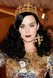 A deep raspberry lip color totally stood out against Katy Perry's fair skin.