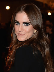 A nude lip kept Allison Williams looking fresh and radiant.