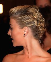 Julianne Hough's bobby pins not only were practical, but they added a cool punk touch to her look.