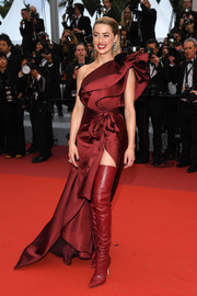 Amber Heard looked gorgeous in a wine-red one-shoulder gown by Elie Saab at the 2019 Cannes Film Festival screening of 'Pain and Glory.'