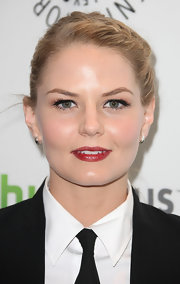 Jennifer Morrison attended PaleyFest 2012 wearing a muted berry lip stain with a touch of gloss.
