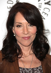 Katey Sagal looked ultra feminine with this shoulder-length curly 'do at PaleyFest 2012.