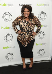 Yvette Nicole Brown showed off her curves at PaleyFest when she sported a figure-flattering black pencil skirt.