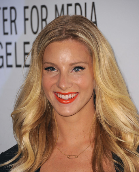 Heather Morris showed off the spring seasons hottest lip color. An orange pout paired with subtle bronzer and lengthy lashes was the perfect way to highlight her natural beauty.