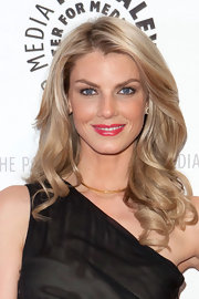 Angela Lindvall wore her cool blond locks in loose spiral curls at the 'Project Runway' All Stars event.