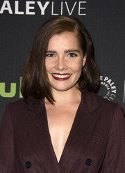 Elise Eberle sported a high-volume side-parted 'do at the 'Salem' season 3 premiere.