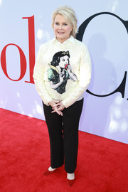 Candice Bergen rocked a Snow White sweater by Gucci at the premiere of 'Book Club.'