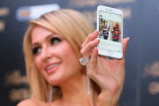 Paris Hilton accessorized with an ultra-luxe diamond ring while attending a Q&A with fans in Melbourne.
