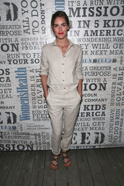 Hilary Rhoda showed us how to do matchy-matchy right with these nude linen separates.