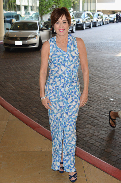 Patricia Heaton Print Dress [clothing,fashion,electric blue,shoulder,dress,flooring,street fashion,car,vehicle,carpet,patricia heaton,beverly hills,california,hallmark channel,hallmark movie channel,tca summer press tour]