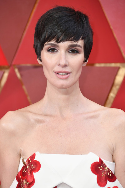 Paz Vega Short Emo Cut [hair,fashion model,beauty,hairstyle,human hair color,eyebrow,lip,chin,shoulder,bangs,arrivals,paz vega,academy awards,hollywood highland center,california,90th annual academy awards]