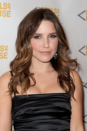 Sophia Bush wore a pair of long, feathery lashes with lots of mascara at the 2011 Pencils of Promise Charity Gala.