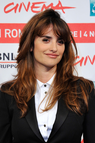 Penelope Cruz Long Wavy Cut with Bangs