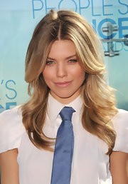 AnnaLynne McCord rocked her honey blond layered cut while hitting the nominations for the People Choice Awards.