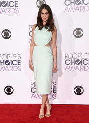 Alison Brie rocked the cutout trend with this mint-green Cushnie et Ochs number at the People's Choice Awards.