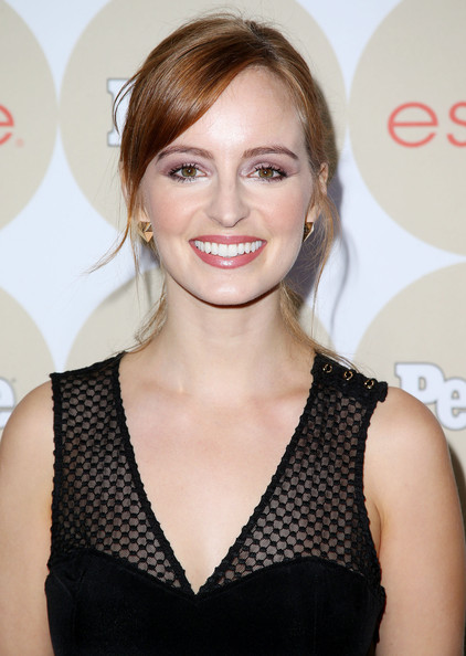 Ahna O'Reilly opted for a casual ponytail with side-swept bangs when she attended People's Ones to Watch party.