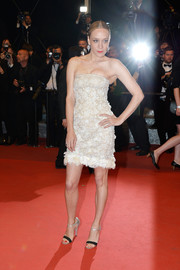 Chloe Sevigny sealed off her look with a pair of two-tone ankle-strap sandals.
