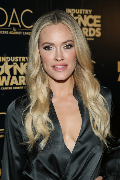 Peta Murgatroyd Long Wavy Cut [hair,blond,face,hairstyle,long hair,eyebrow,beauty,layered hair,lip,brown hair,arrivals,peta murgatroyd,industry dance awards,2018 industry dance awards,avalon hollywood,los angeles,california]