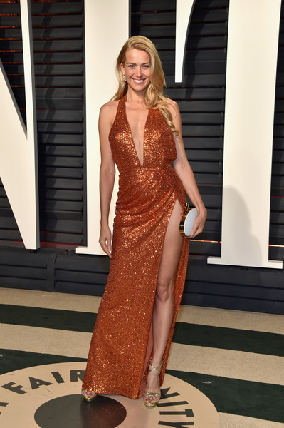 Petra Nemcova Strappy Sandals [oscar party,vanity fair,fashion model,clothing,dress,fashion,shoulder,beauty,haute couture,gown,blond,fashion show,beverly hills,california,wallis annenberg center for the performing arts,petra nemcova,graydon carter - arrivals,graydon carter]