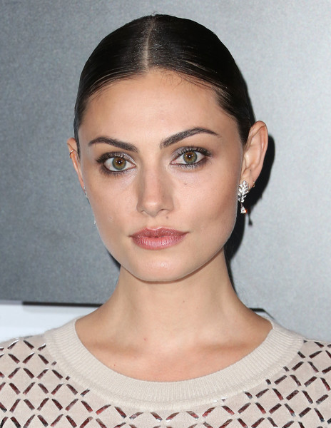 Phoebe Tonkin Dangling Diamond Earrings [hair,face,eyebrow,lip,hairstyle,forehead,chin,beauty,skin,cheek,arrivals,lily-rose depp,phoebe tonkin,dinner,ca,los angeles,west hollywood,sunset tower hotel,chanel dinner,chanel]
