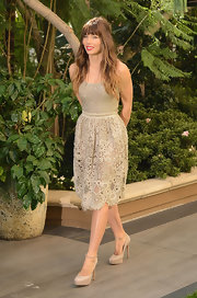 Jessica Biel looked like a modern day princess in this nude lace dress with a delicate scalloped hem.