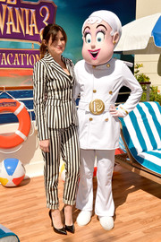 Kathryn Hahn's black-and-white striped Altuzarra outfit at the 'Hotel Transylvania 3' photocall was a fun way to suit up!