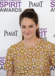 Shailene Woodley attended the 2012 Independent Spirit Awards wearing her long hair in a ponytail.