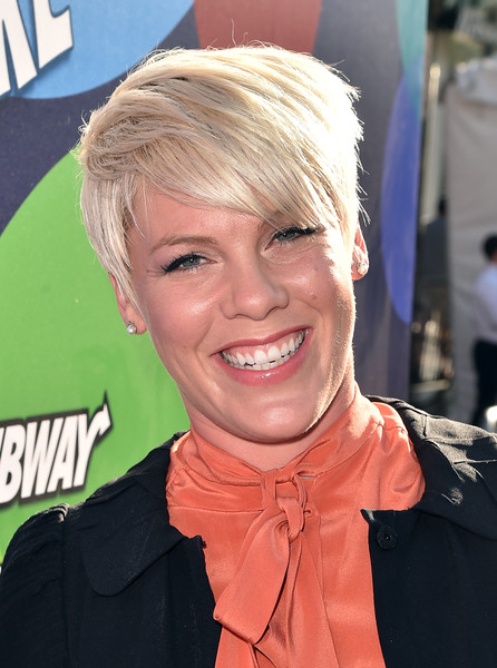Pink Emo Bangs [inside out,hair,face,blond,hairstyle,head,forehead,chin,smile,lip,bangs,red carpet,pink,los angeles,el capitan theatre,california,disney,pixar,premiere,premiere]