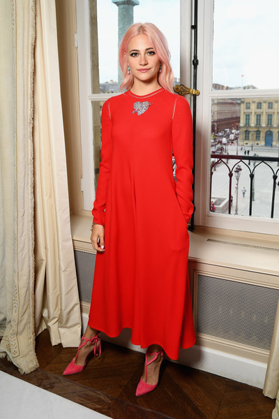 Pixie Lott Midi Dress [haute couture fall,clothing,red,dress,shoulder,fashion,formal wear,outerwear,flooring,girl,cocktail dress,schiaparelli,pixie lott,front row,part,paris,schiaparelli haute couture fall,paris fashion week,show,haute couture paris fashion week]
