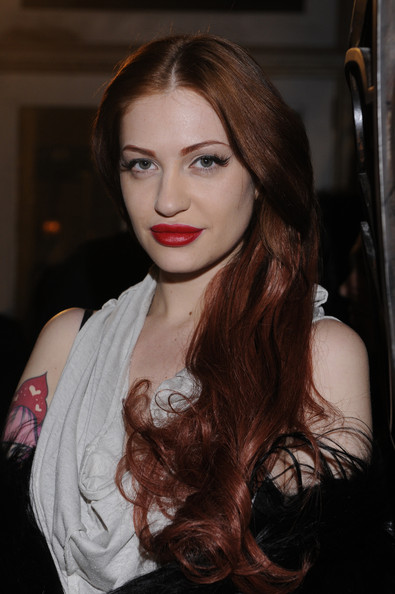 Porcelain Black Long Wavy Cut