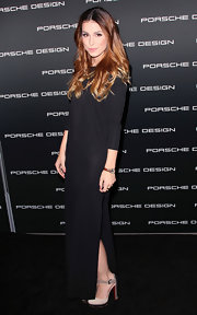 This black maxi-dress made for a simply chic look on Lena Meyer-Landrut.