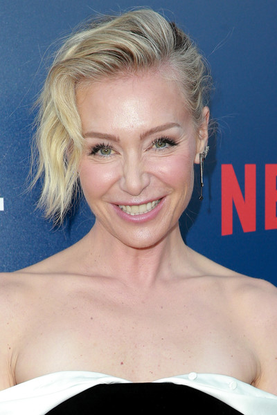 Portia de Rossi Messy Updo [arrested development,season,hair,face,hairstyle,eyebrow,blond,chin,lip,beauty,forehead,smile,arrivals,portia de rossi,california,los angeles,netflix fysee theater,netflix,premiere,premiere]
