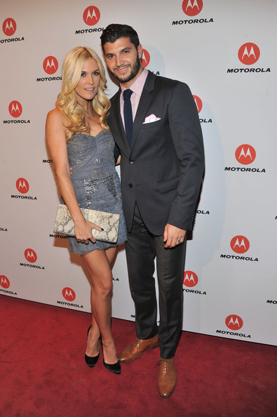 More Pics of Tinsley Mortimer Frame Clutch (1 of 4) - Frame Clutch Lookbook - StyleBistro [clothing,red,red carpet,carpet,event,flooring,premiere,dress,cocktail dress,suit,droid razr,products,zoe saldana,strong sexy,sir,world,motorola,party,motorola mobility host exclusive celeb,launch]