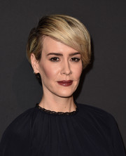 Sarah Paulson wore her short hair with a deep side part at the LA premiere of 'Past Forward.'