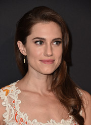 Allison Williams looked oh-so-pretty with her side-swept waves at the LA premiere of 'Past Forward.'
