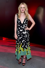 Dakota Fanning finished off her dress with simple black sandals.