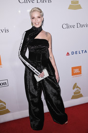 Halsey looked funky in a black one-sleeve jumpsuit by Off-White at the pre-Grammy gala.