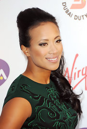 Anne Keothavong looked ultra glam wearing her long wavy hair in a high-volume ponytail.