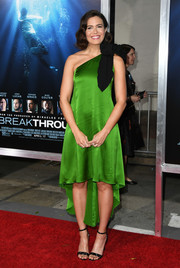 Mandy Moore slipped into a kelly-green one-shoulder dress by Andrew Gn for the premiere of 'Breakthrough.'