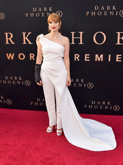 Jessica Chastain completed her all-white look with a pair of platform sandals by Jimmy Choo.