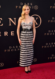 Sophie Turner cut a chic figure in a strapless Louis Vuitton frock with a striped skirt and floral beading at the premiere of 'Dark Phoenix.'