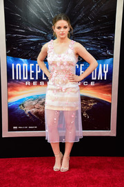 Joey King was summer-cute in a sheer, flower-appliqued dress with a striped underlay at the premiere of 'Independence Day: Resurgence.'