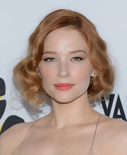 Haley Bennett pinned up her strawberry tresses with a retro-inspired faux bob.