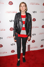 Model Agyness Deyn played it cool and edgy in skinny pants while walking the red carpet.