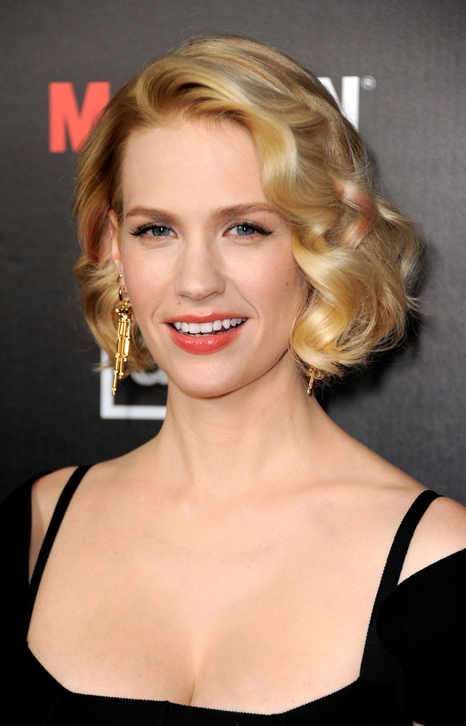 january jones hair stylebistro more pics of january jones curled out bob 8 of 32