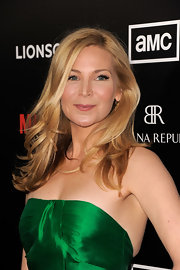 Jennifer Westfeldt wore her hair in soft layers and lovely loose curls at the fifth season premiere of 'Mad Men.'