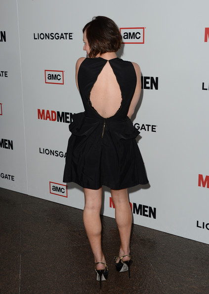 More Pics of Elisabeth Moss Short Cut With Bangs (3 of 30) - Elisabeth Moss Lookbook - StyleBistro
