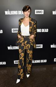 Maggie Grace opted for a printed pantsuit by A.L.C. when she attended the premiere of 'The Walking Dead' season 9.