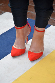 A pair of orange ankle-strap pumps finished off Amy Poehler's look with a bright pop of color at the premiere of 'You are Here.'
