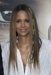 Halle Berry wore her hair down in pin-straight layers at the premiere of 'Kidnap.'
